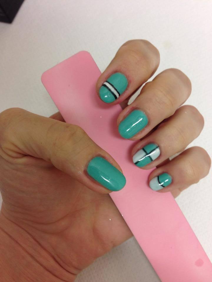unghie decorate unghie con smalto semipermanente secret estetica ...